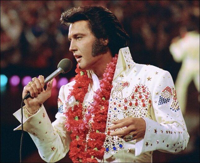 Continua il summer mood con la musica di Elvis